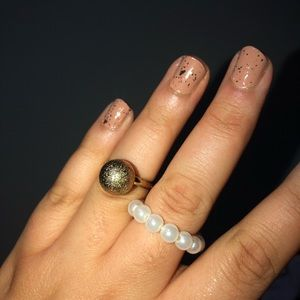 Jewelry - PEARL AND GOLD 3D RINGS